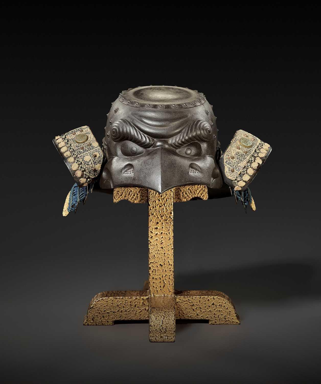85 - MYOCHIN YOSHISUKE: AN EXCEPTIONAL IRON KAWARI KABUTO IN THE FORM OF A TENGU