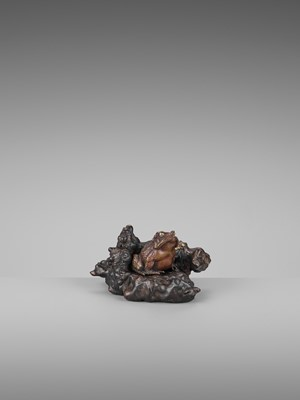 Lot 21-A FINE PARCEL-GILT BRONZE AND ROOT WOOD OKIMONO OF A TOAD
