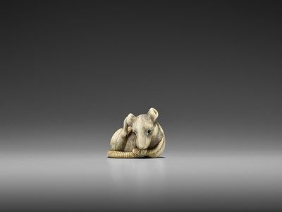 Lot 48 - AN EXCEPTIONAL KYOTO SCHOOL IVORY NETSUKE OF A RAT