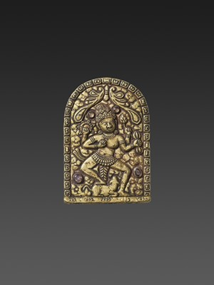 Lot 1-A CHAM AMETHYST AND ROCK CRYSTAL-SET GOLD REPOUSSÉ PECTORAL DEPICTING A DANCING UMA AND NANDI
