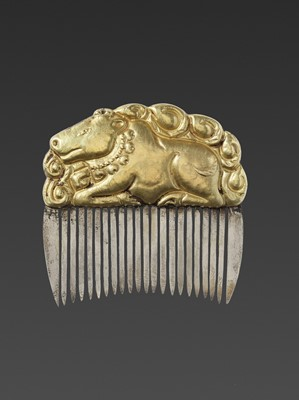 Lot 14-A CHAM GOLD REPOUSSÉ AND SILVER HAIR COMB WITH NANDI