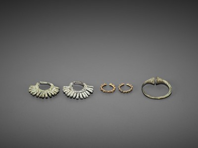 Lot 54-FIVE BACTRIAN GOLD AND BRONZE EARRINGS