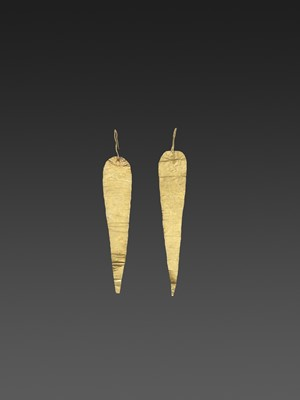 Lot 55-A PAIR OF BACTRIAN GOLD HAIR ORNAMMENTS
