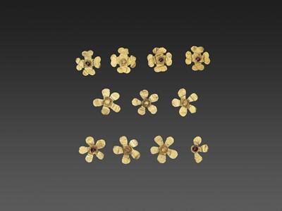 Lot 60-11 BACTRIAN GOLD 'FLOWER' GARMENT ORNAMENTS