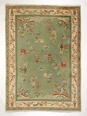 Lot 443 - A LARGE CHINESE WOOLLEN RUG