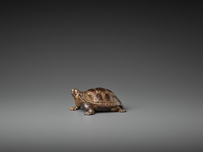 Lot 430 - A LACQUER-GILT BRONZE MODEL OF A TURTLE, 17TH CENTURY