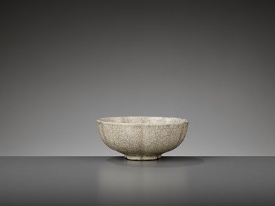 Lot 207 - A GE-TYPE LOBED BOWL, MING