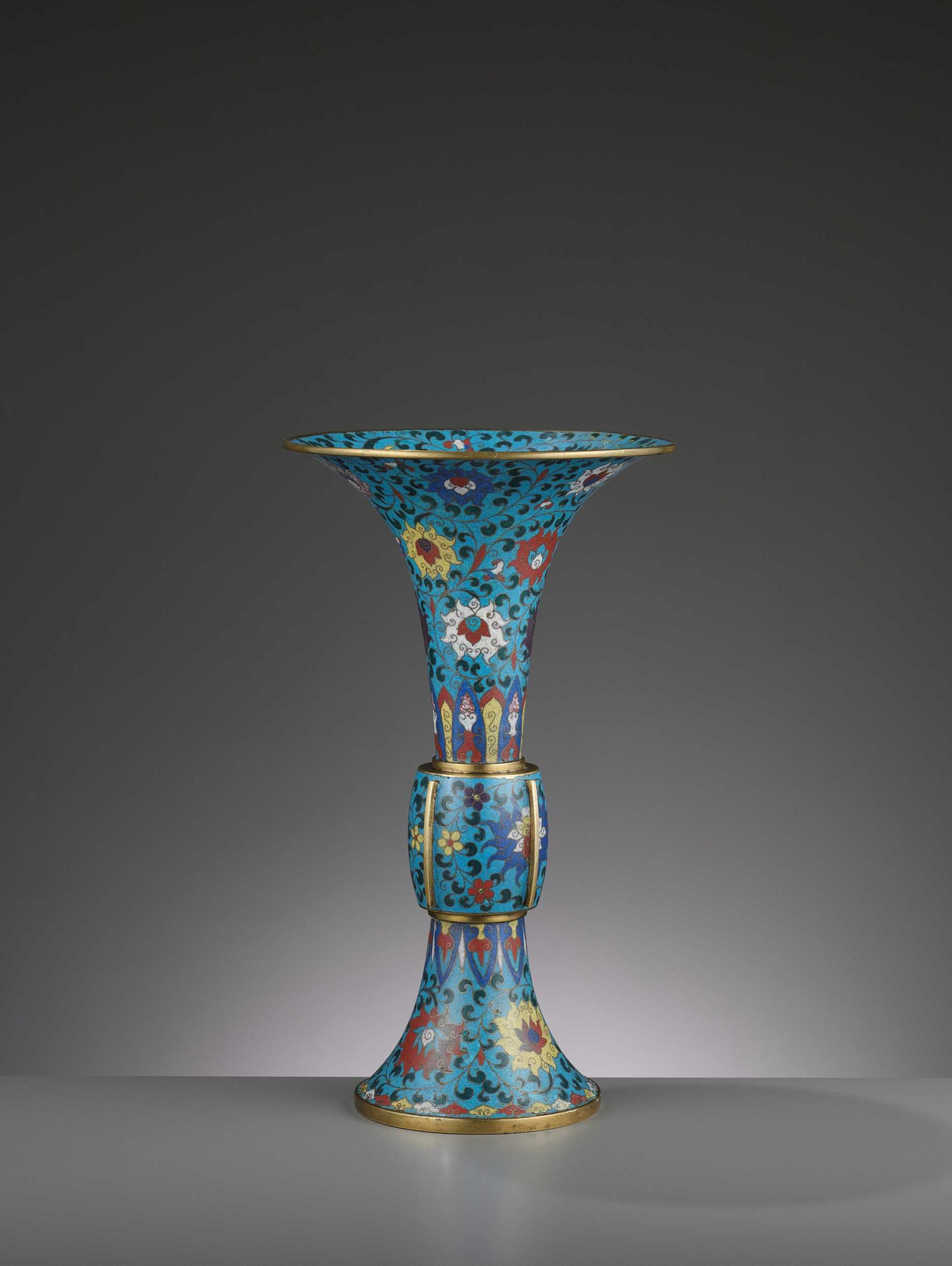 Lot 3 - A LARGE CLOISONNÉ AND GILT-BRONZE GU, QING DYNASTY