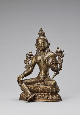 Lot 567 - A NEPALESE BRONZE FIGURE OF GREEN TARA