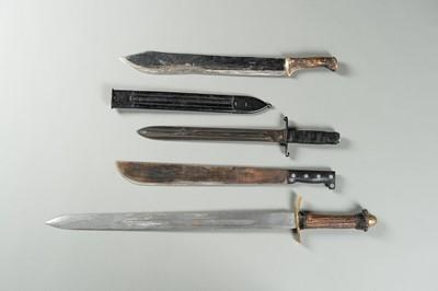 Lot 24 - A GROUP OF TEN SWORDS