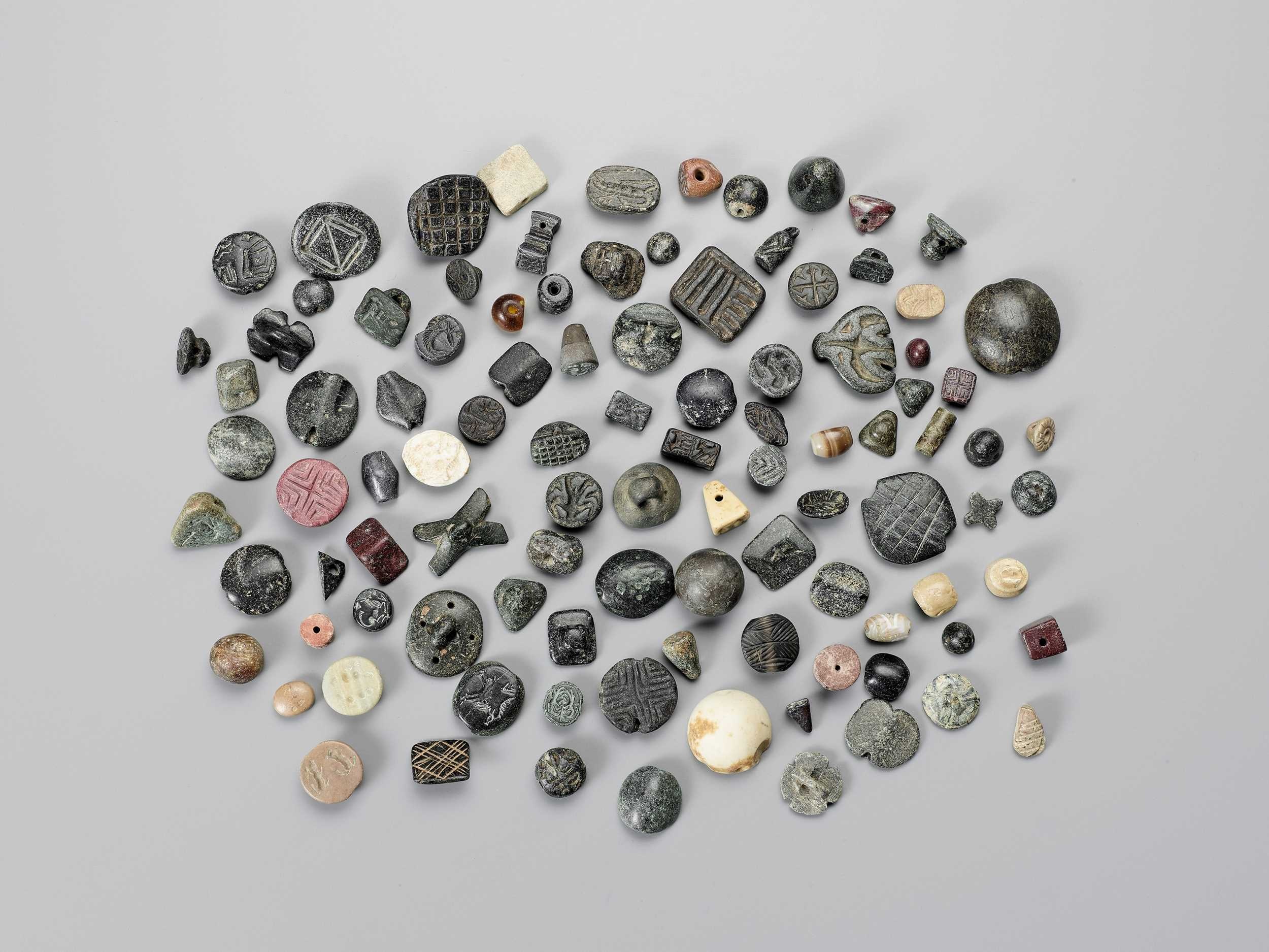 Lot 1333 - AN AMAZING COLLECTION OF 101!!! NEAR EAST ANCIENT SEALS AND BEADS