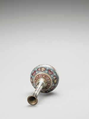 Lot 17 - A CLOISONNÉ BOTTLE VASE