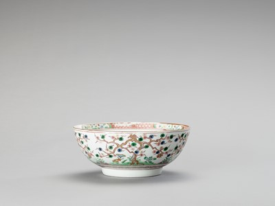 Lot 1083 - A KAKIEMON PORCELAIN BOWL