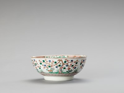 Lot 1085 - A KAKIEMON PORCELAIN BOWL