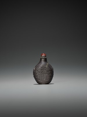 A FINELY CARVED DUAN STONE SNUFF BOTTLE