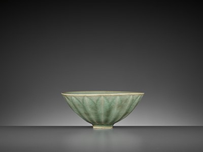 Lot 166 - A LONGQUAN 'LOTUS' BOWL, SONG DYNASTY