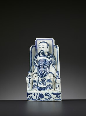 Lot 204 - A BLUE AND WHITE PORCELAIN FIGURE OF GUANDI, WANLI PERIOD