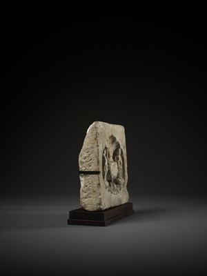 Lot 34 - A WHITE MARBLE BUDDHIST STELE, NORTHERN WEI TO NORTHERN QI