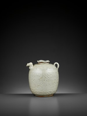 Lot 159 - A QINGBAI EWER AND COVER, NORTHERN SONG TO YUAN DYNASTY