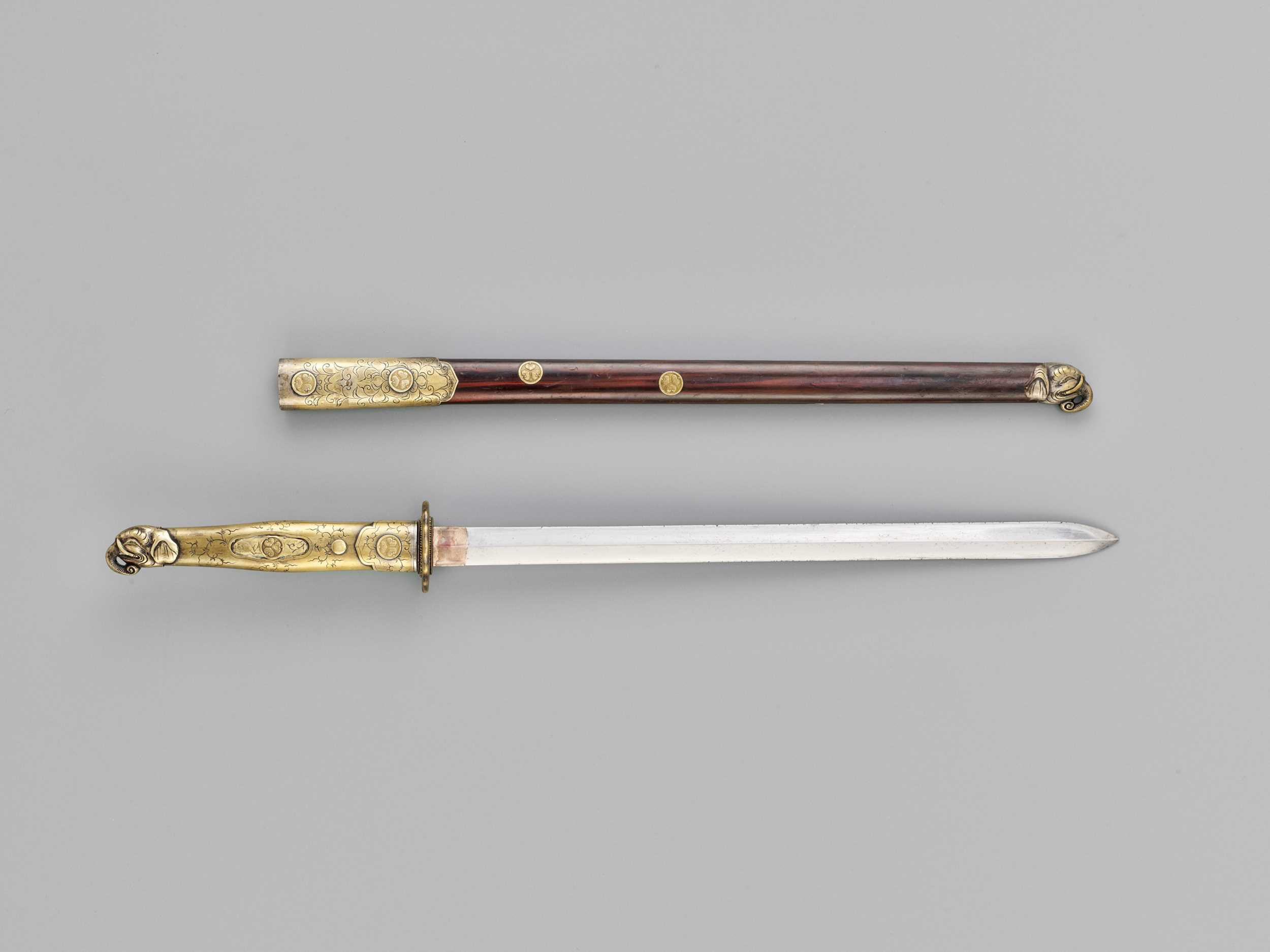 Lot 55 - A CEREMONIAL KEN IN MOUNTS WITH TOKUGAWA MONS