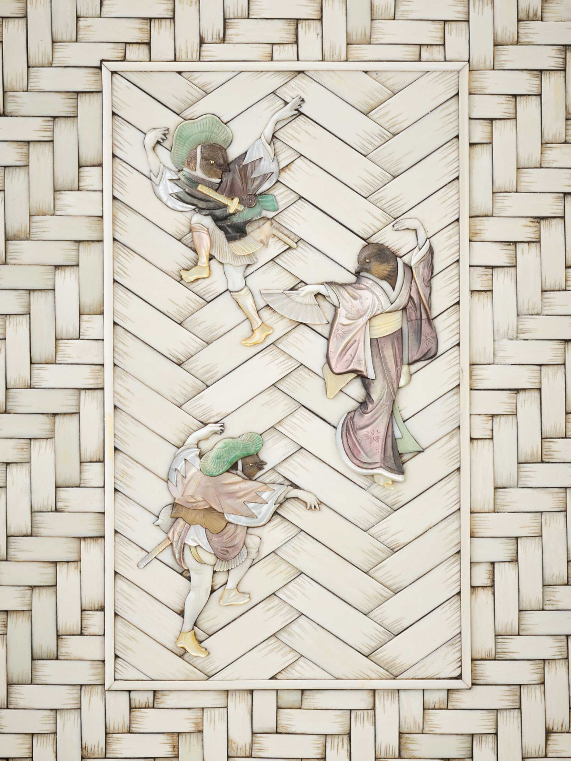 A RARE WOOD AND SHIBAYAMA-INLAID IVORY 'BASKET WEAVE' BOX AND COVER WITH SPARROW DANCERS