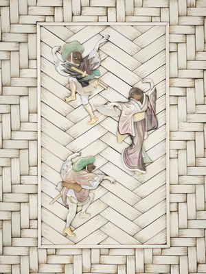 Lot 138 - A RARE WOOD AND SHIBAYAMA-INLAID IVORY 'BASKET WEAVE' BOX AND COVER WITH SPARROW DANCERS
