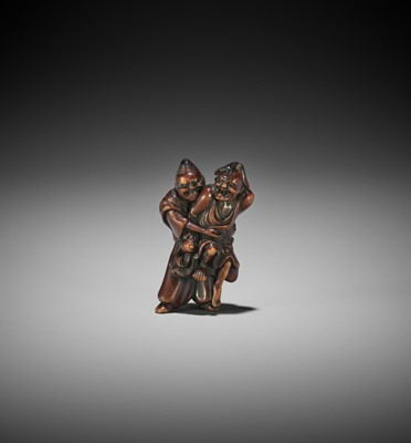 Lot 177 - AN EDO SCHOOL WOOD NETSUKE OF TAIRA NO TADAMORI CAPTURING THE OIL THIEF