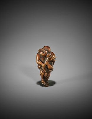 Lot 171 - A GOOD WOOD NETSUKE OF HOTEI