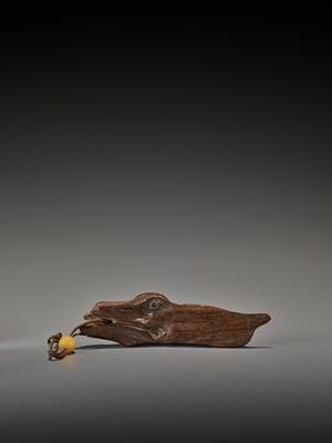 Lot 305 - A RARE 17TH CENTURY DRIFTWOOD NETSUKE OF A LARGE FISH