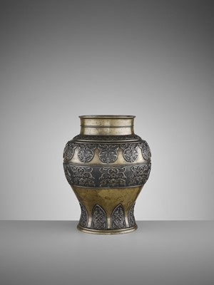 Lot 514 - AN ARCHAISTIC BRONZE BALUSTER VASE, 17TH CENTURY