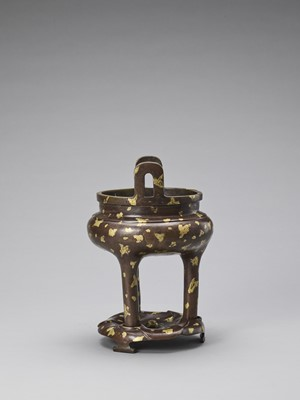 Lot 525 - A GOLD-SPLASHED BRONZE TRIPOD CENSER WITH SIX-CHARACTER XUANDE MARK, QING