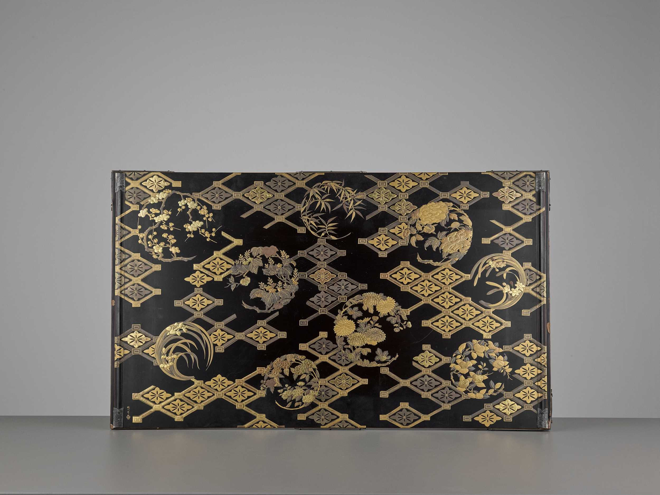 Lot 96 - KAJIKAWA: A RARE LACQUER BUNDAI (WRITING TABLE)
