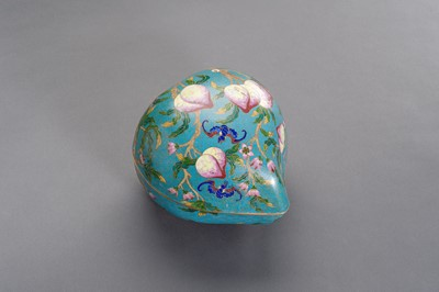 Lot 73 - AN UNUSUAL AND LARGE 'NINE PEACHES' CLOISONNE BOX