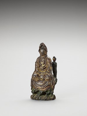 Lot 591 - A GILT-LACQUERED WOOD FIGURE OF GUANYIN, 17th CENTURY