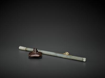 Lot 22 - A JADE OPIUM PIPE, QING DYNASTY