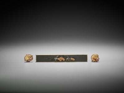 Lot 52 - A RARE SET OF A KOZUKA AND MATCHING GOLD MENUKI PAIR DEPICTING QUAILS AND MILLET