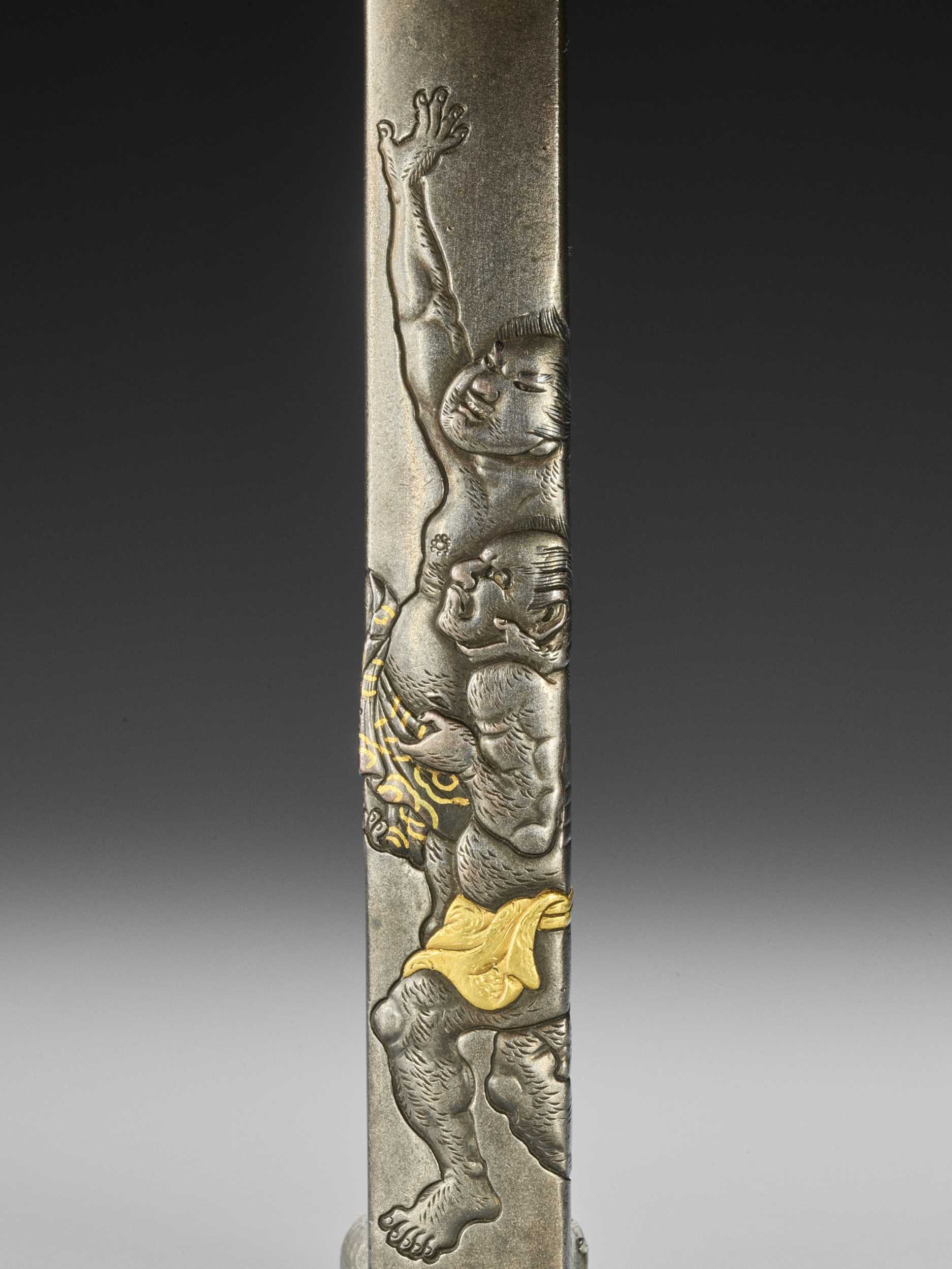 Lot 47 - HAMANO NAOYUKI: A GOLD-INLAID SHIBUICHI KOZUKA WITH TWO SUMO WRESTLERS