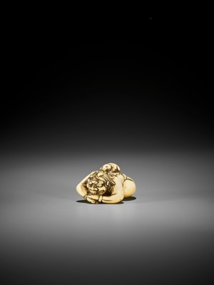 Lot 13 - A RARE IVORY NETSUKE OF SHIRO