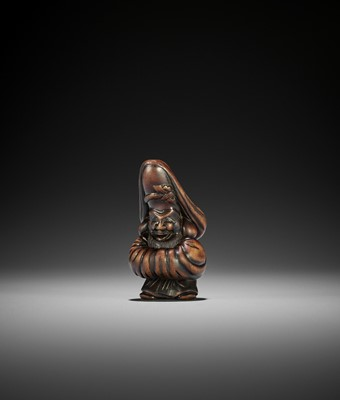 Lot 169 - A WOOD NETSUKE OF FUKUROKUJU, CIRCLE OF TSUJI