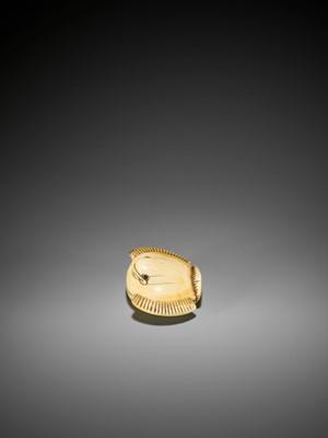 Lot 7 - GYOKUSEN: AN IVORY NETSUKE OF THE FUKURA SUZUME (PUFFED-UP SPARROW)