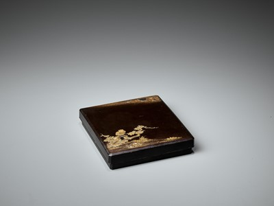 Lot 100 - A RARE LACQUER SUZURIBAKO WITH OWL AND MOON