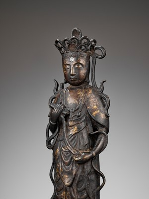 Lot 131 - A JAPANESE BRONZE FIGURE OF KANNON