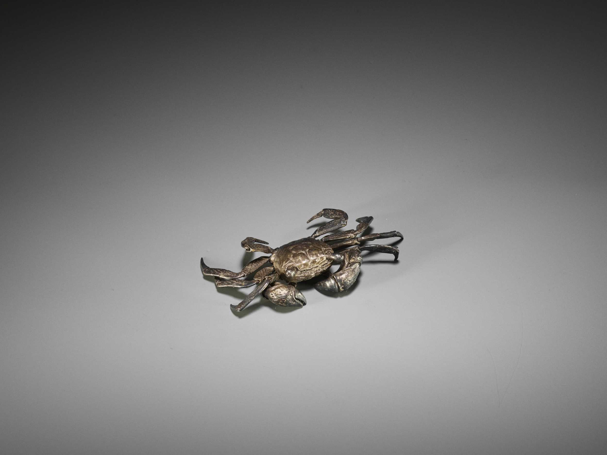 Lot 14 - A FINE SILVERED BRONZE OKIMONO OF A FULLY ARTICULATED CRAB