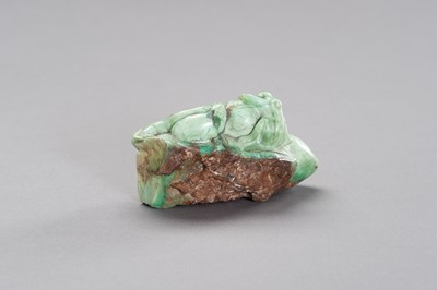 Lot 205 - A TURQUOISE MATRIX CARVING OF MONKEYS AND PEACHES