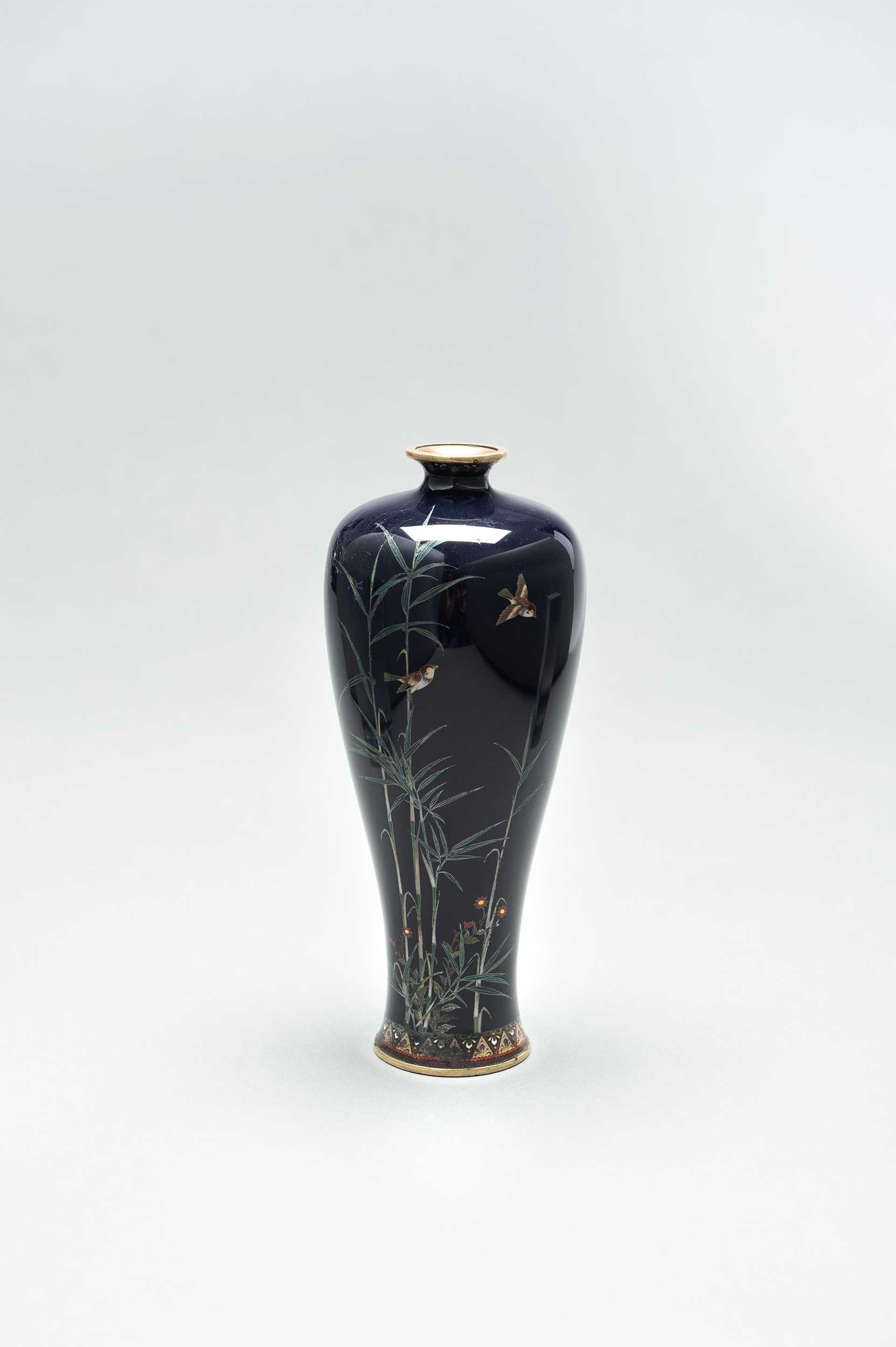 Lot 59 - A CLOISONNÉ ENAMEL VASE WITH BAMBOO AND BIRDS