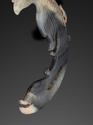Lot 72 - A GRAY AND WHITE JADE CARVING OF A PHOENIX, SHIJIAHE CULTURE OR LATER