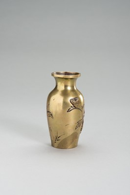 Lot 5 - A FINE GILT BRONZE VASE WITH PEONIES
