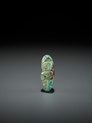 Lot 57 - A TURQUOISE BEAD DEPICTING A CICADA, SHANG TO WESTERN ZHOU DYNASTY